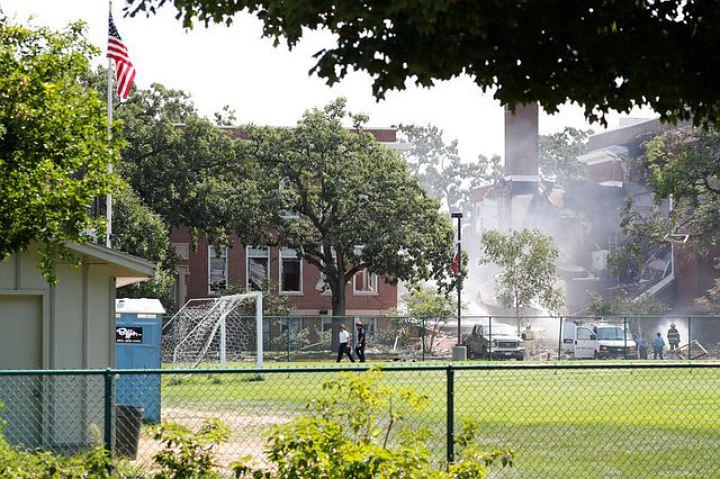 Взрыв газа в американской школе: один человек погиб, девять пострадали
