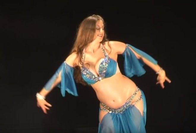 Более 10 000 000 просмотров Потрясающий танец живота