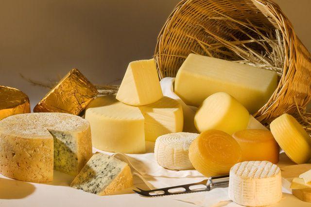 Можно ли есть сыр, на котором появилась плесень?