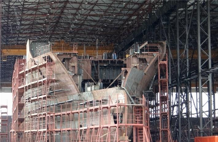 Строящееся океанографическое исследовательское судно «Академик Агеев»