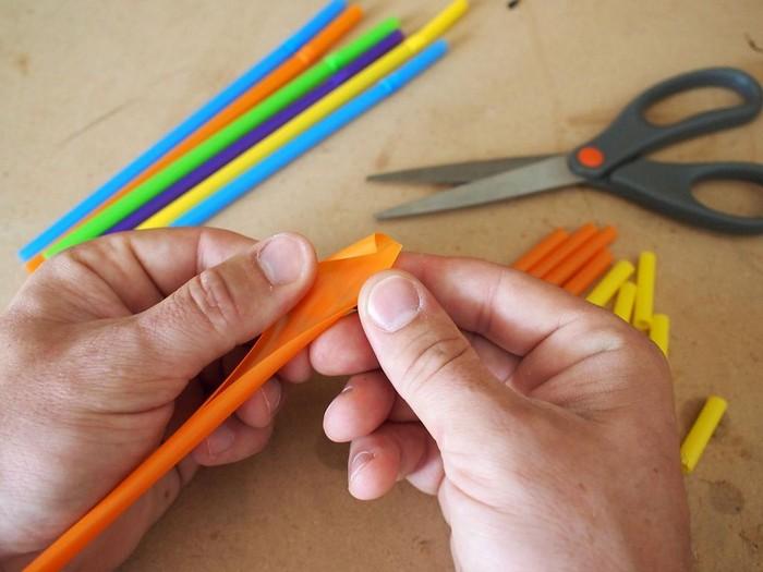 12 необычных применений пластиковой соломинки