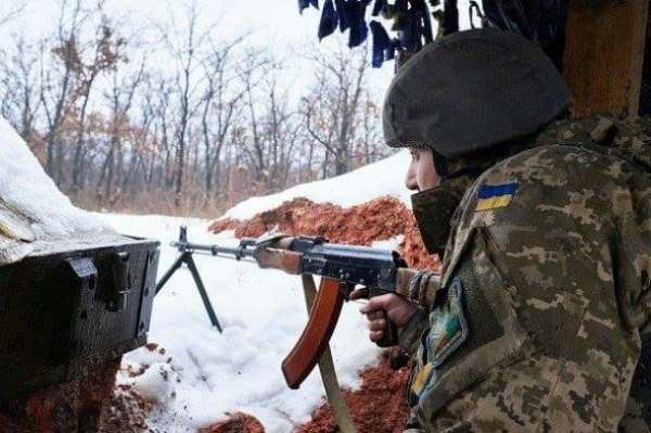 ВСУ обстреляли автобус спассажирами наКПП «Еленовка»