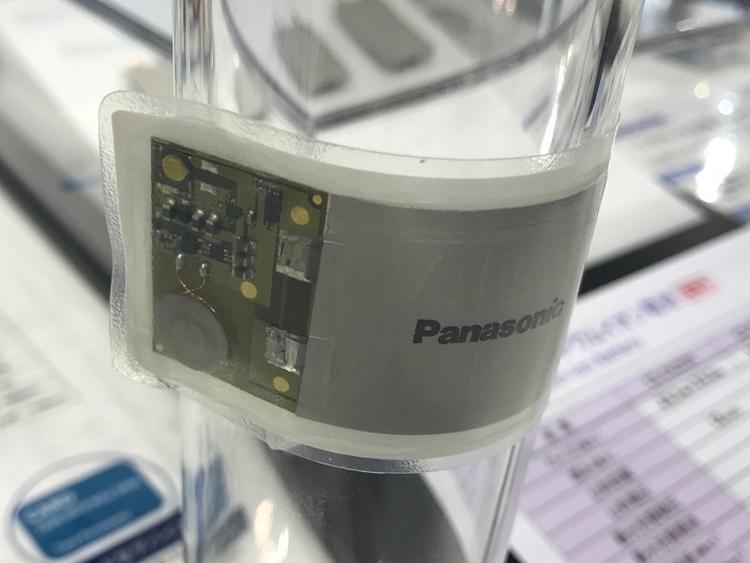 В Panasonic созданы гибкие аккумуляторы с беспроводной подзарядкой
