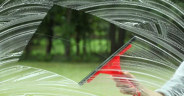 3 маленькие хитрости для идеально чистых окон без разводов