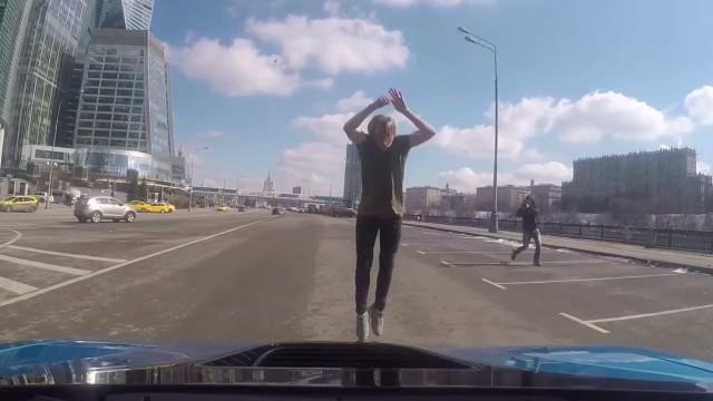 Сальто через BMW i8 #OlegCricket