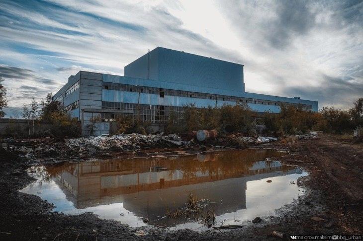 Уникальные фото с умирающего завода ЗИЛ