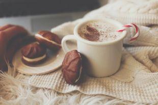 Пончики с кремом и творожные колечки. С чем лучше выпить чашку какао