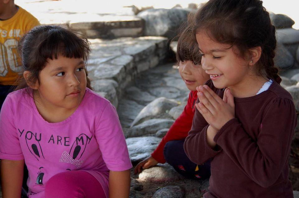 Нерелигиозные дети проявляют больше сочувствия и доброты. Исследование