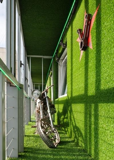 Как удобно устроиться на городском маленьком балконе