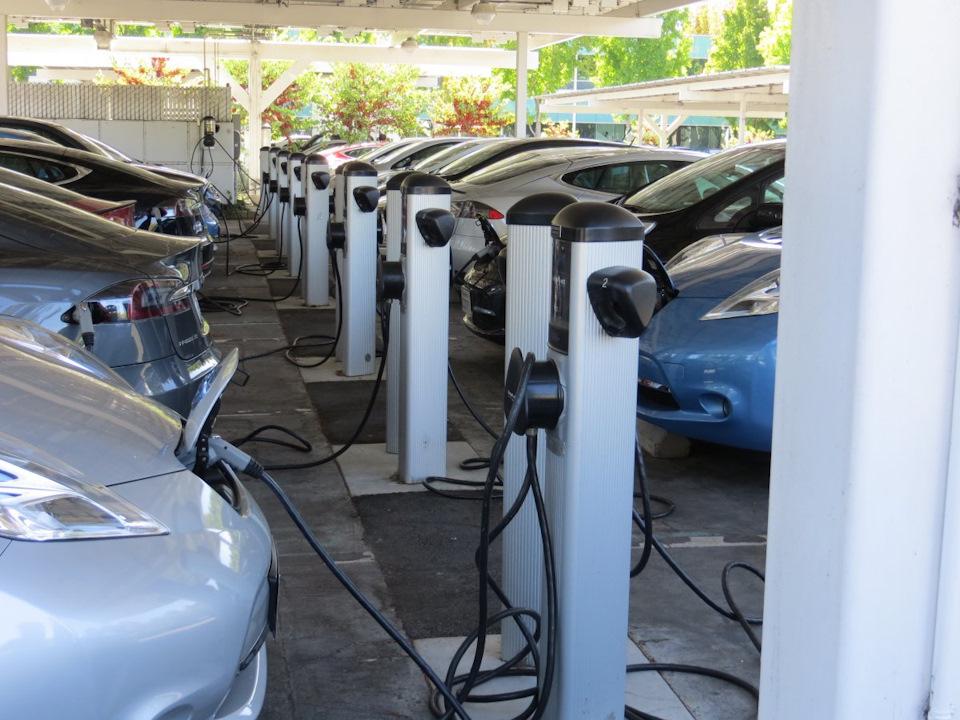 """BMW i3 как """"машина на каждый день"""" или дума об электромобиле"""