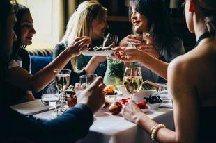 Что такое пробковый сбор в ресторане и зачем он нужен?
