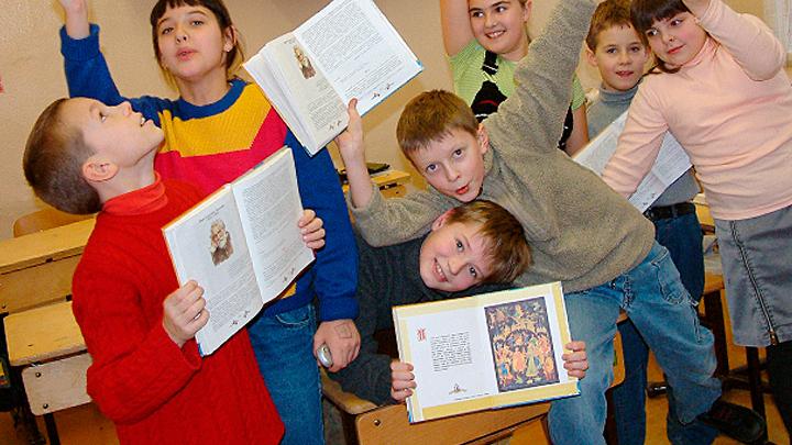 С анархией в образовании пора покончить: Русским детям нужны имперские учебники
