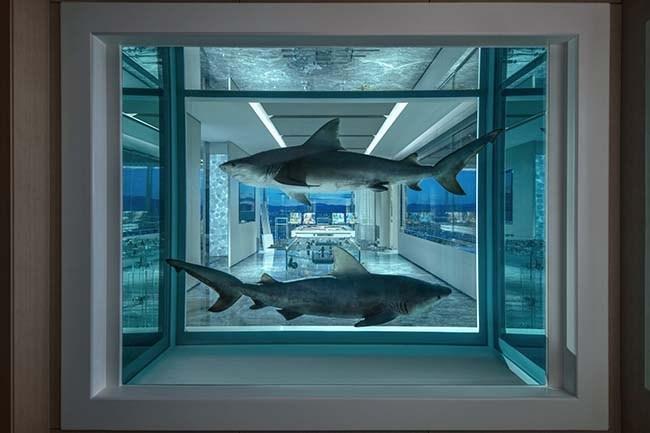 Ночь в самом дорогом гостиничном номере в мире, оформленном Дэмиеном Херстом, стоит 100.000$