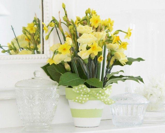 Декорирование цветочного горшка лентой