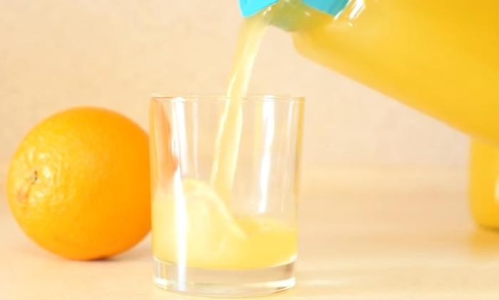 Кухонная магия: делам два литра сока из одного апельсина
