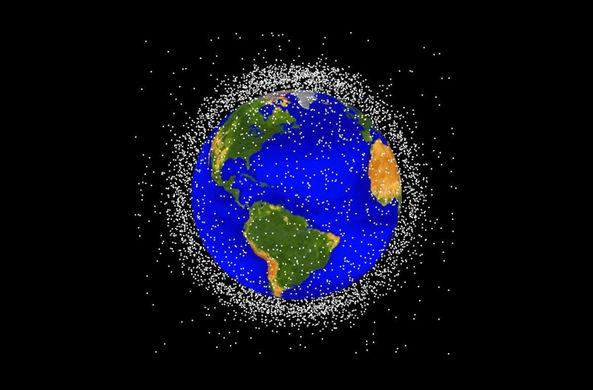 Сколько космического мусора падает на Землю?
