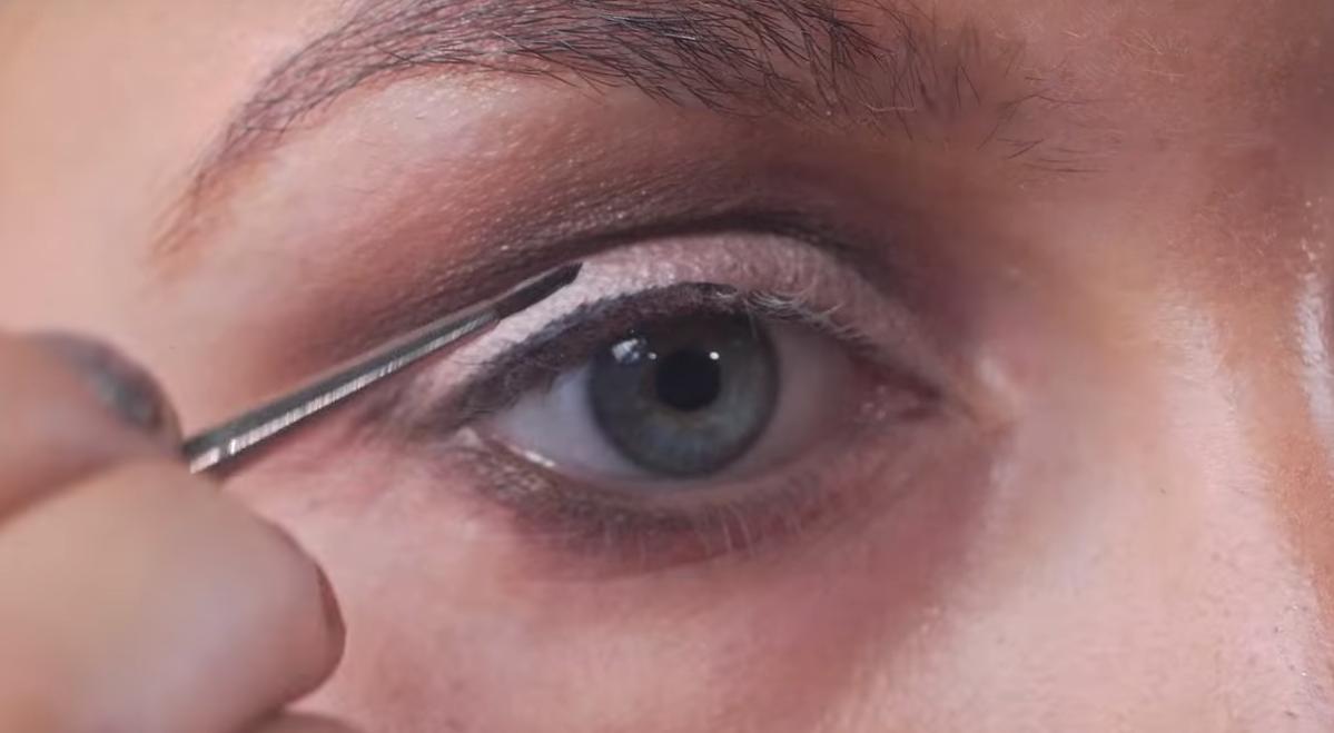 10 вариантов макияжа за 2 минуты. Чтобы от ваших глаз не могли оторваться!