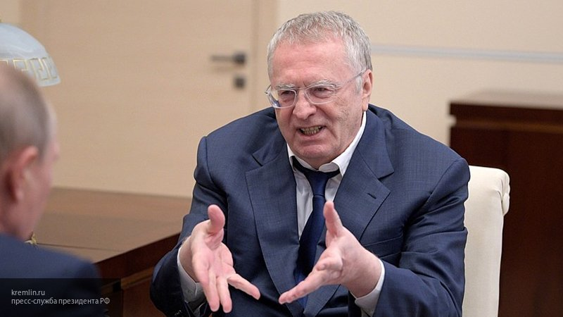 Жириновский предложил режиссерам РФ снять высмеивающую британцев комедию