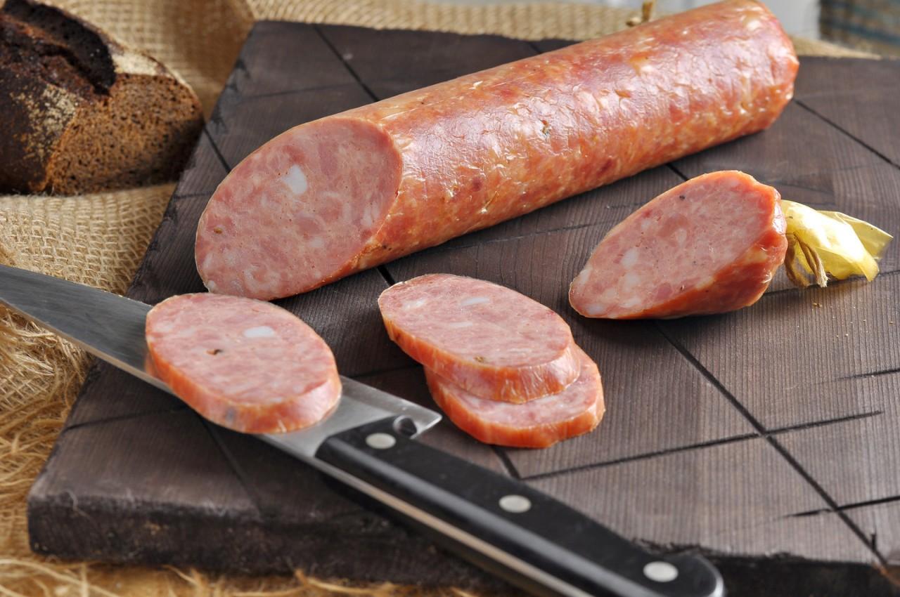 Как делается колбаса копченая в домашних условиях