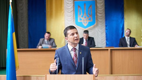 Майдан ничему не научил Украину: она уже любит выдуманного президента.