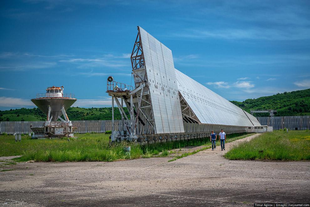 РАТАН-600 — крупнейший радиоантенный телескоп в мире