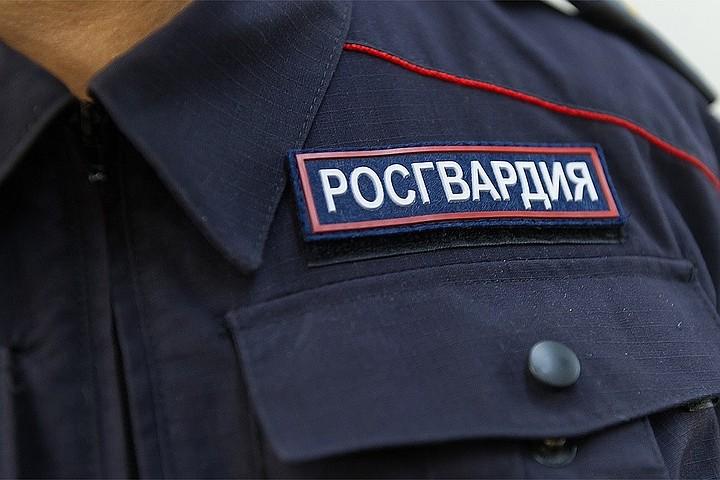 За нападение на бойца ОМОН Павел Устинов приговорен к 3,5 годам колонии