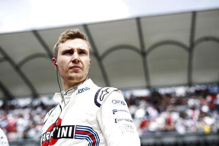 Россиянин Сергей Сироткин остался без места в Формуле-1