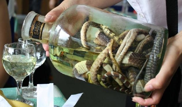 как пить змеиную водку