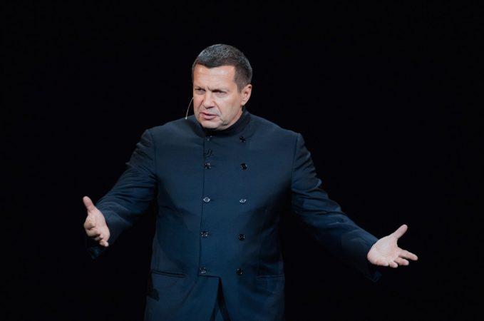 Соловьев отреагировал на избиение Навального: «Нельзя издеваться над святынями»