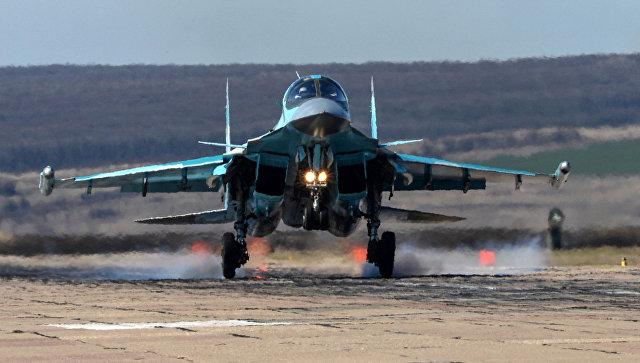 """Увернуться от """"Томагавка"""". Зачем пилотов Су-34 учат быстро менять аэродромы"""