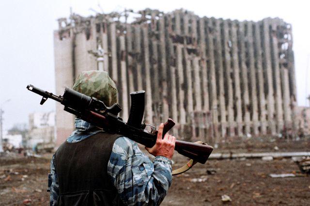 Андреевский флаг над чеченским дворцом. Как морпехи взяли убежище Дудаева
