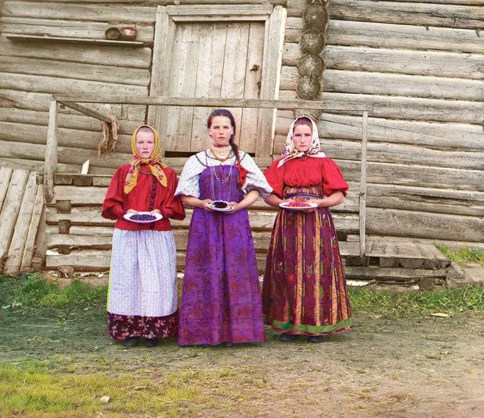 Русские женщины в деревнях