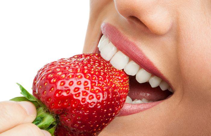 7 веществ, вредящих зубам, о которых вы даже не подозревали