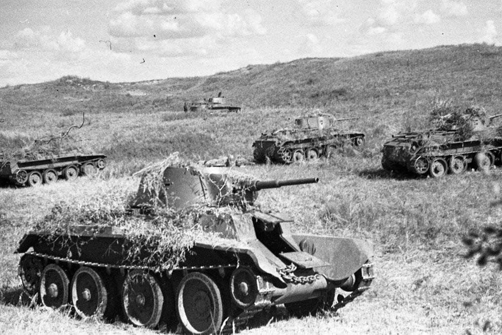 Танковый таран: как БТ-7 уни…