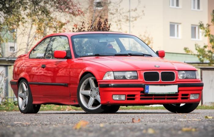 7 автомобилей 90-х годов, которые до сих пор пользуются огромным спросом