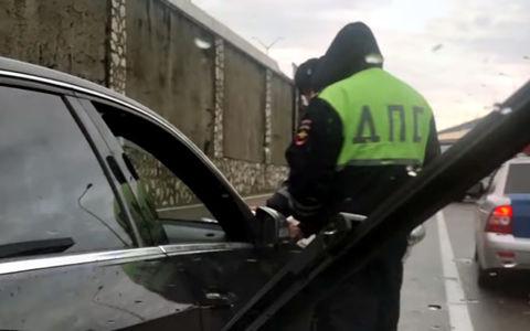 Пьяный автохам избил водителя-инвалида. ГИБДД предпочла не вмешиваться