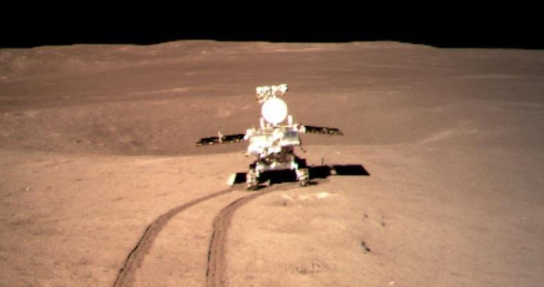 Китайский ровер обнаружил на Луне 12-метровый слой пыли