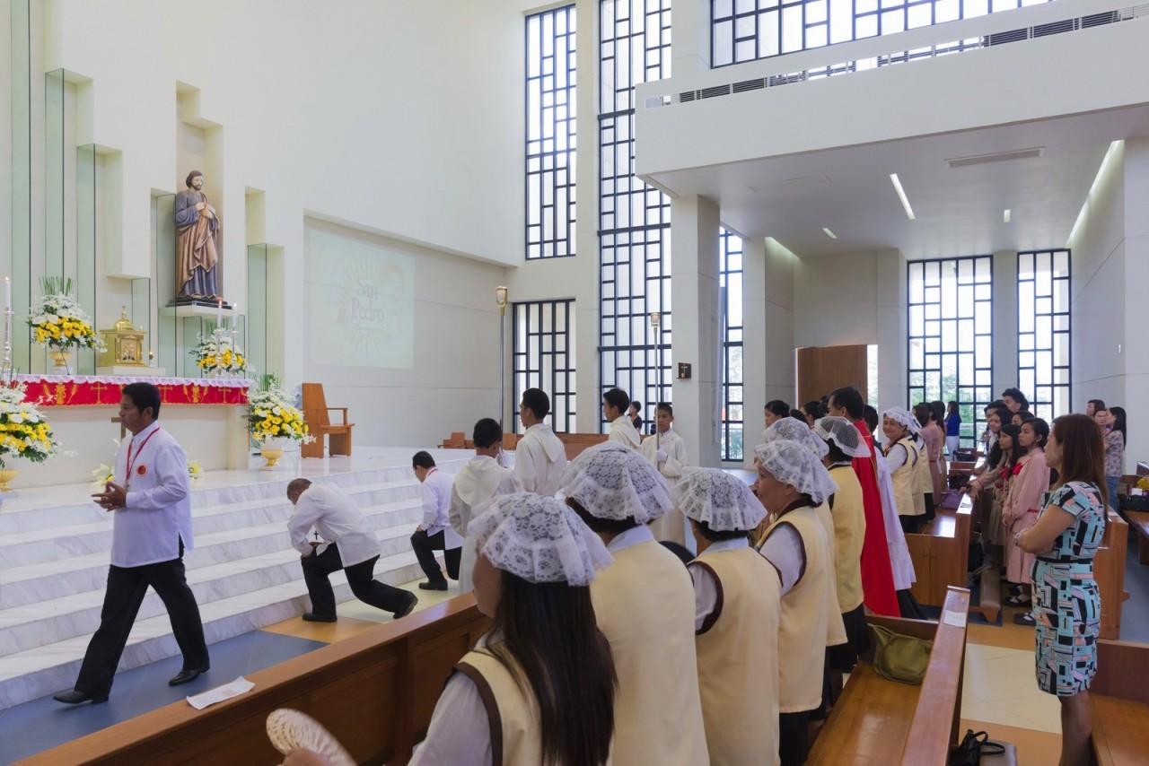 На Филиппинах построена церковь 100 стен
