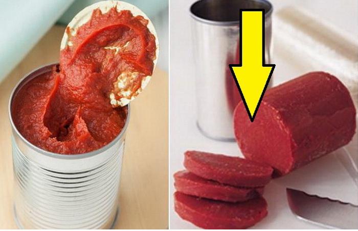 Чтобы не скисла: как начатую банку томатной пасты хранить пару месяцев неиспорченной