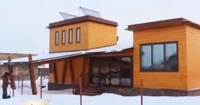 Мужчина построил умный дом и теперь не платит за коммунальные услуги. Это гениально!