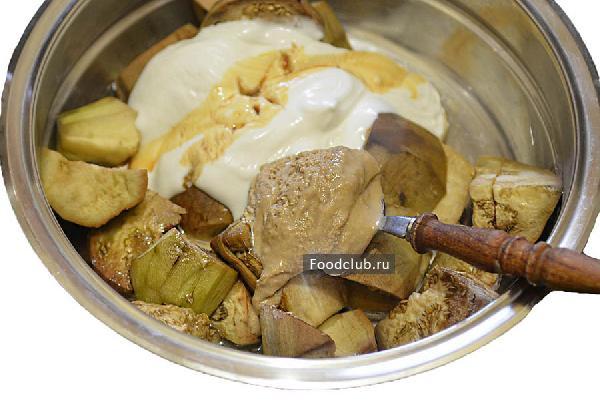 Чесночно-ореховый салат с баклажанами и перцем (этап 2)