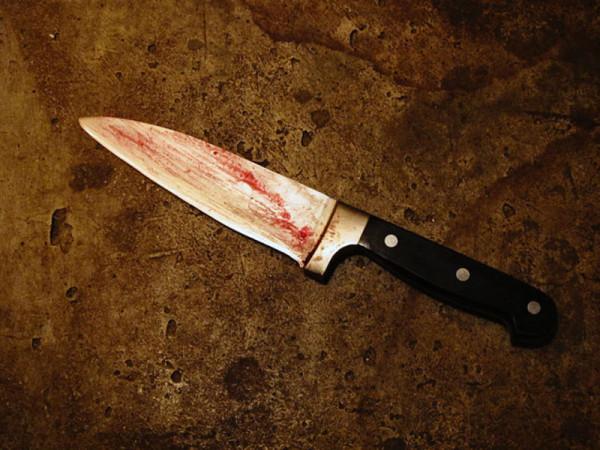 Крымчанка напала с ножом на …