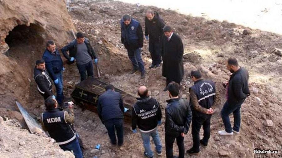 В Турции рабочие нашли захоронение с останками русского генерала
