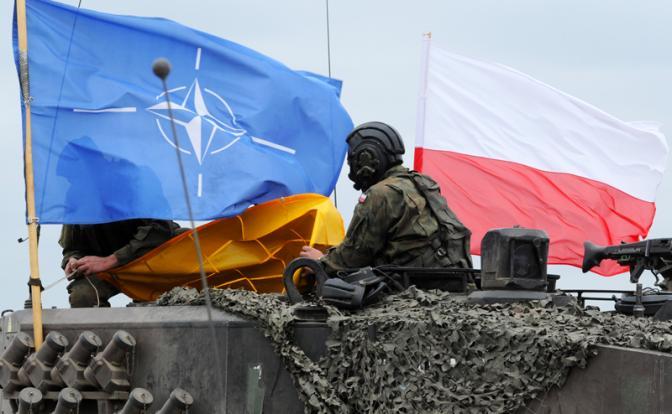 «Форт Трамп»: Польша зовет США усмирить Москву