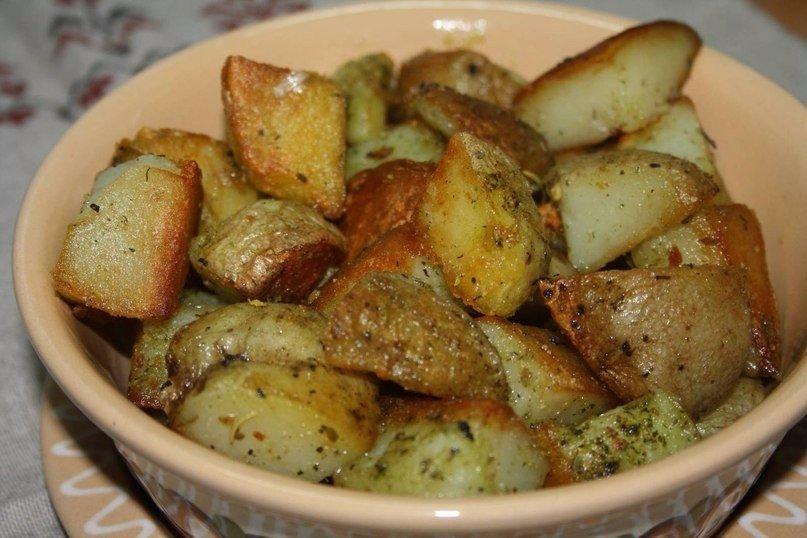 Запеченный картофель с чесноком в духовке рецепт с пошагово
