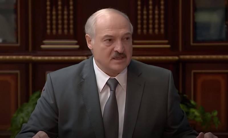 Лукашенко перебрасывает десантников на западные границы Белоруссии
