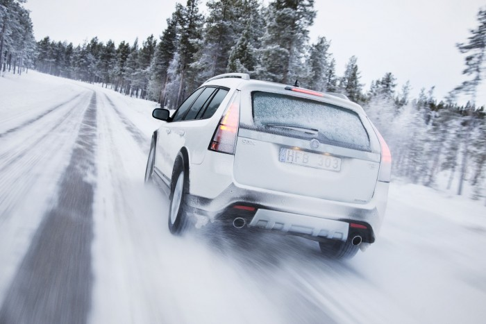 http://www.reddrivingschool.com/wp-content/uploads/Winter-driving-e1452774910305.jpg