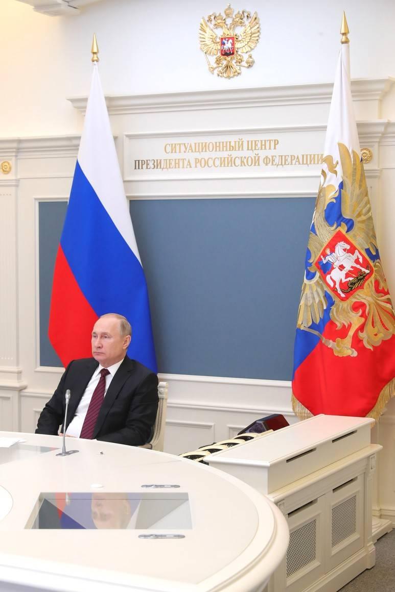 СМИ Запада заявляет о поиске Кремлём путей продления власти Путина