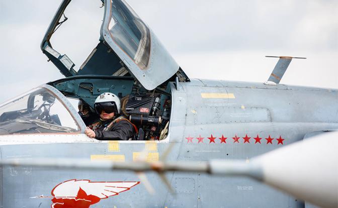Победа на фюзеляже: Летчики ВКС в Сирии присвоили звездочки на самолетах