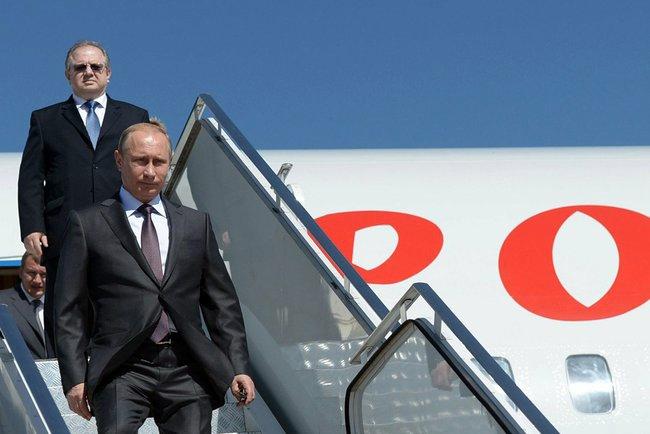 """Владимир Путин прибыл в Китай на саммит """"Большой Двадцатки"""""""
